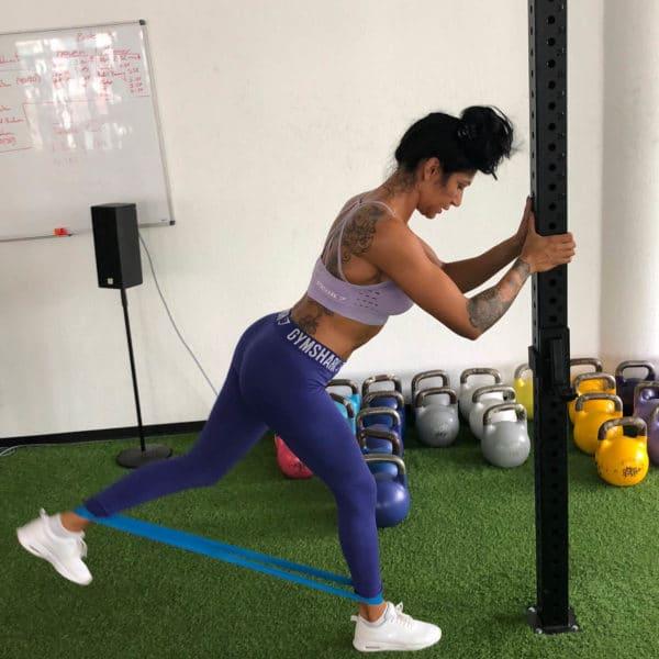 Personal Trainerin Kathy von KÖRPERLIEBE beim Training